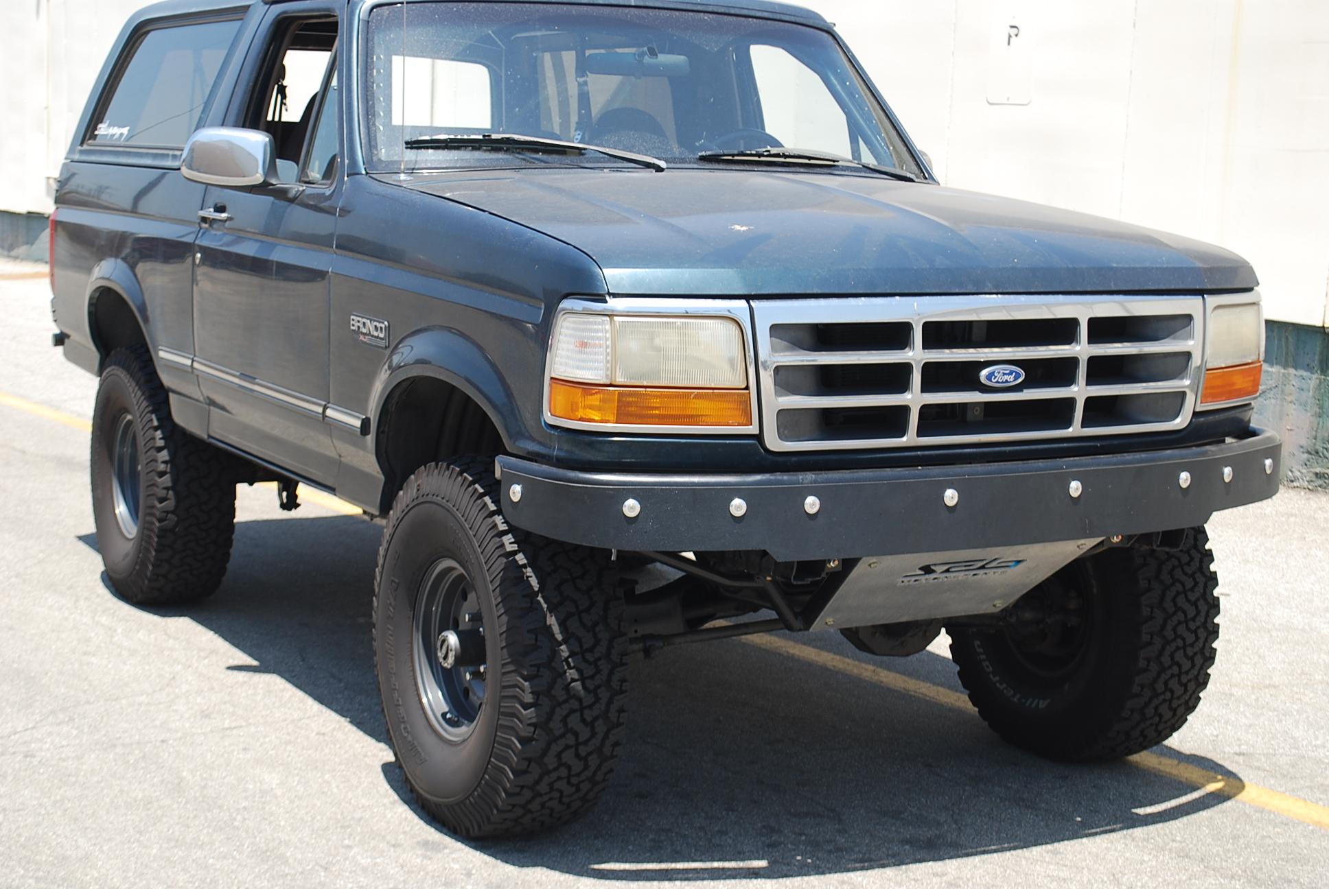 Dsc on 1996 Bronco Bumper
