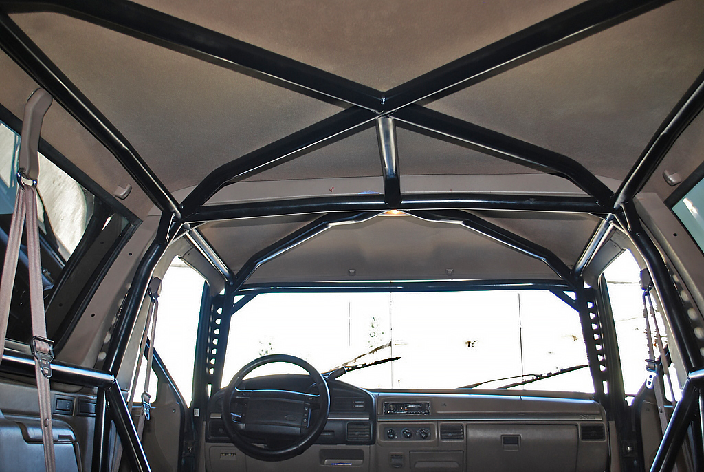 Prerunner Roll Cage / Ford Bronco | Solo Motorsports